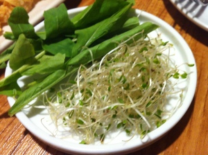 I especially loved their Alfalfa sprouts kust llike in Yellow Cab where you incorporate this in your pizza and roll it in.