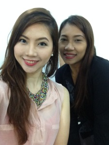 With HMUA Jen who doled out her two cents worth of advice about eyeshadow application and contouring