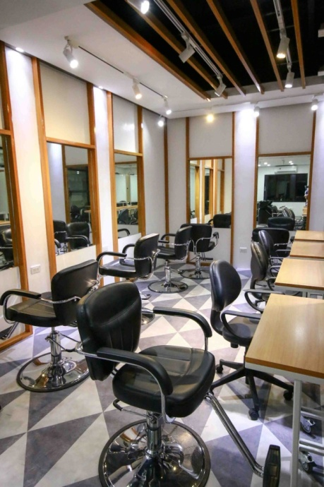 The opening of the Australian College of Hair Design and Beauty (ACHDB) Manila gives those aspiring to be professionals in the ever booming beauty industry the chance to earn world class degrees without having to enroll in schools abroad.