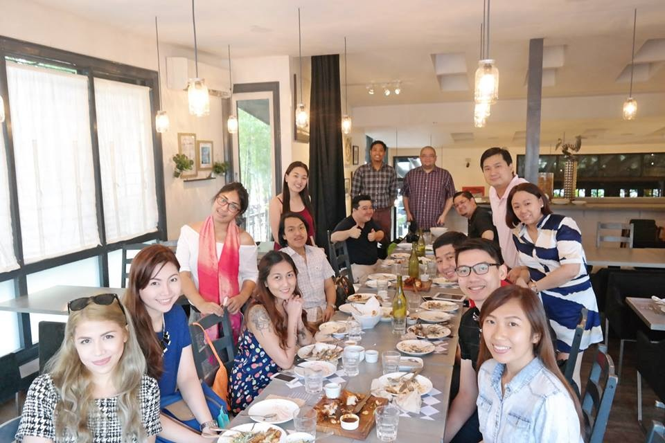 Me with the other well known food bloggers of today' s generation :) Thank you for this awesome food fest Lola Cafe and Bar and also to Richie for according me an invite! :)